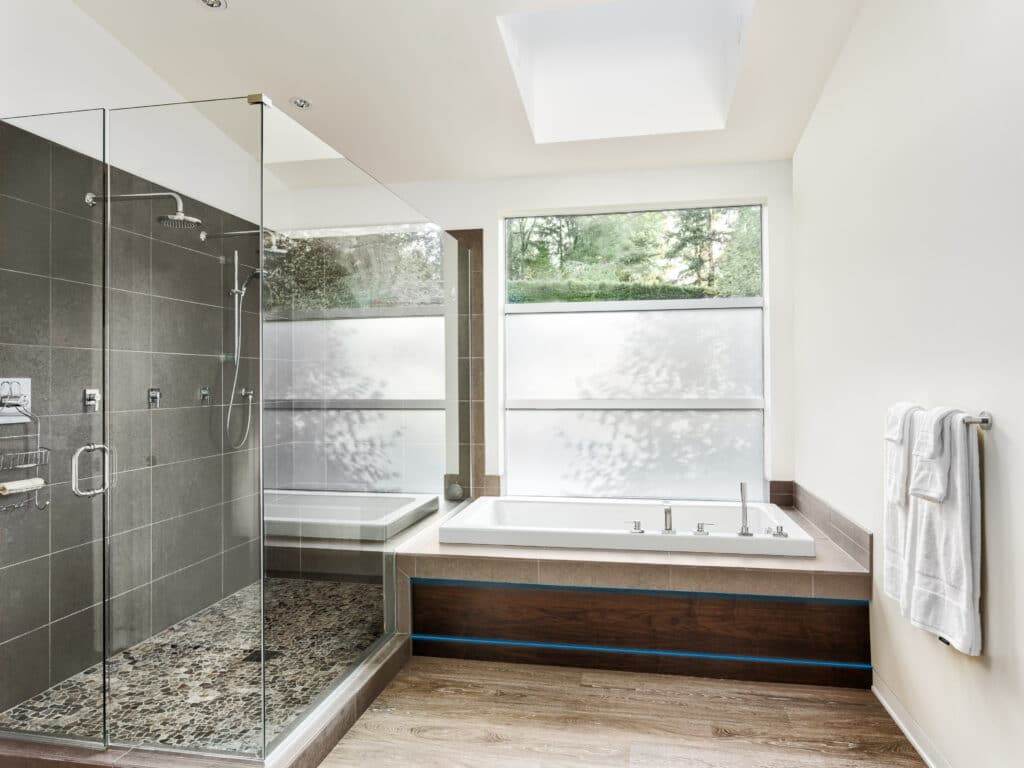 Bathroom with integrated lighting